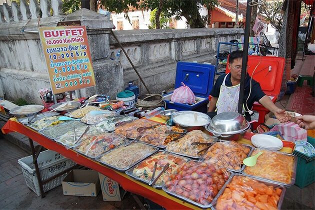 H' mong Night Market offer amazing experiencein Indochina trip
