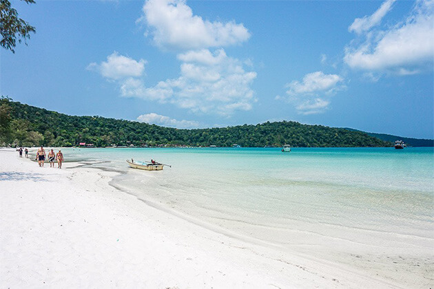 Koh Rong Saloem off the beaten track in Cambodia