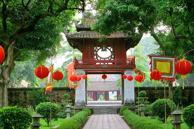 van mieu is the first university in vietnam