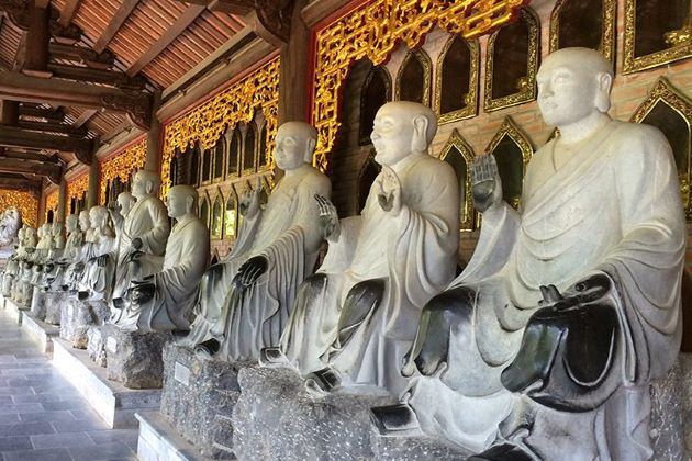 bai dinh pagoda in ninh binh