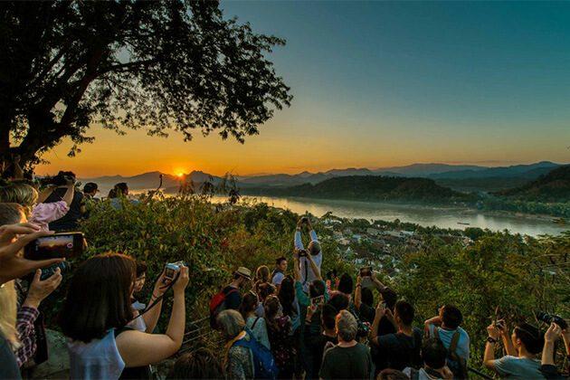enjoy sunset view at phousi mount from Luang Prabng Laos trip