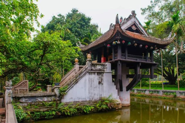 one pillar pagoda in hanoi vietnam cambodia tour packages