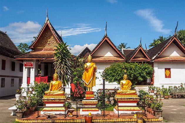 stunning Wat Mai temple in Luang Prabang