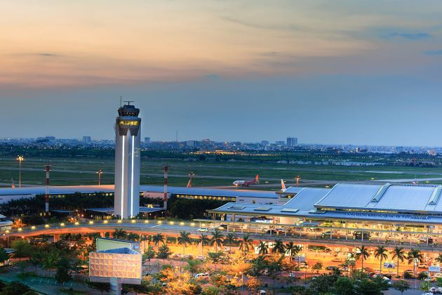 tan son nhat international airport flighs from india to ho chi minh city