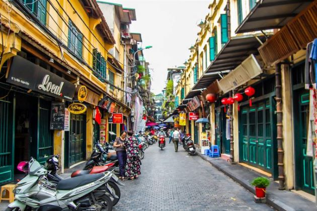 the old quarter in hanoi