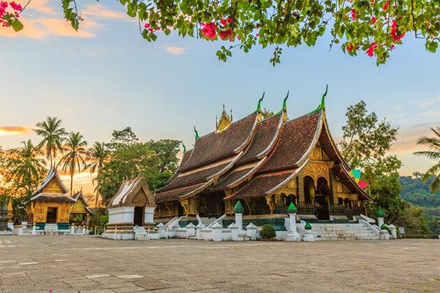 visit Xieng Thong Temple from Vietnam Cambodia & Laos trip